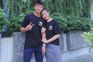 Phan Văn Đức công khai nịnh vợ, ai ngờ lại bị bà xã 'phũ' khi đăng cả series ảnh 'dìm hàng'