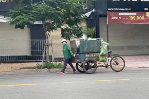 Tân Trề kể chuyện rơi lệ về mẹ ruột làm nghề thu gom rác
