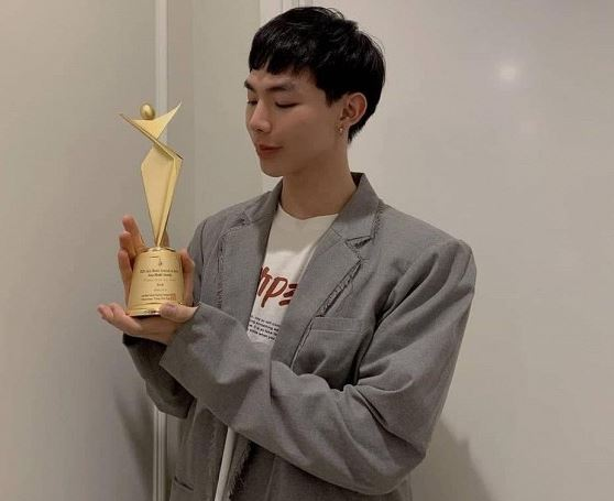 Erik nhận được giải thưởng Asia Star Award 2020