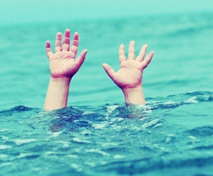Kon Tum: Đi chơi gần hồ thủy điện, 2 em nhỏ đuối nước thương tâm