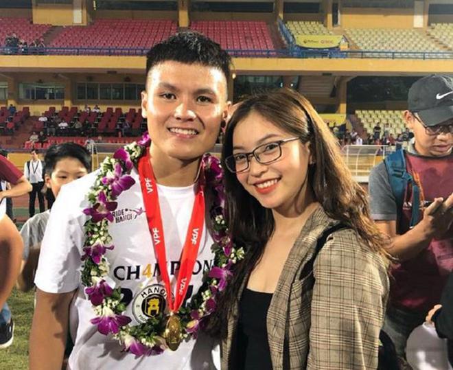 Nhật Lê khi chia tay cầu thủ Quang Hải: Sự nghiệp ca hát nhạt nhòa, thích ăn mặc gợi cảm